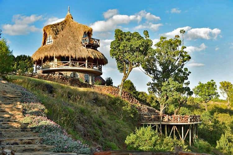 Olepangi-Farm-Roundhouse