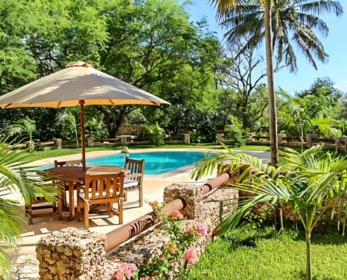 Kamili-Cottage-Gardens-and-Pool